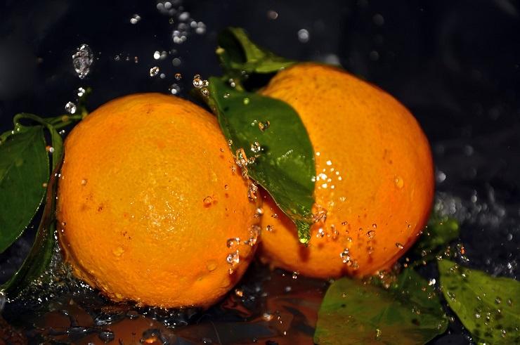 Lave las frutas con bicarbonato de sodio