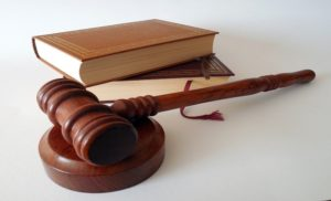 cuanto cuesta la carrera de derecho